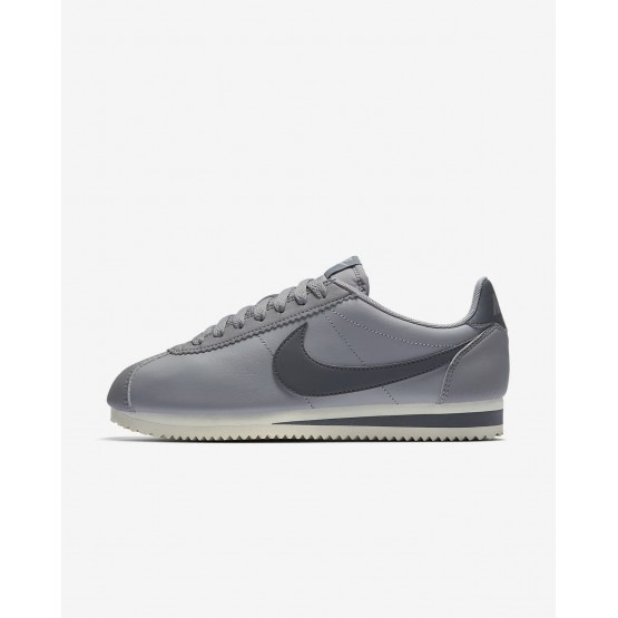 Nike Classic Cortez Lifestyle Shoes Womens Atmosphere Grey/Sail/Gunsmoke 807471-017