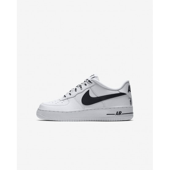 Zapatillas Casual Nike Air Force 1 LV8 NBA Niño Blancas/Negras 820438-108