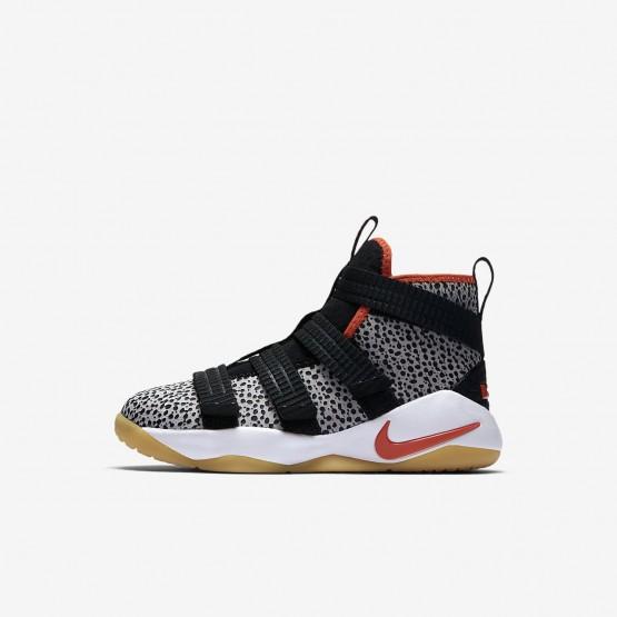 Zapatillas Baloncesto Nike LeBron Soldier XI SFG Niño Negras/Blancas/Naranjas AJ7576-006